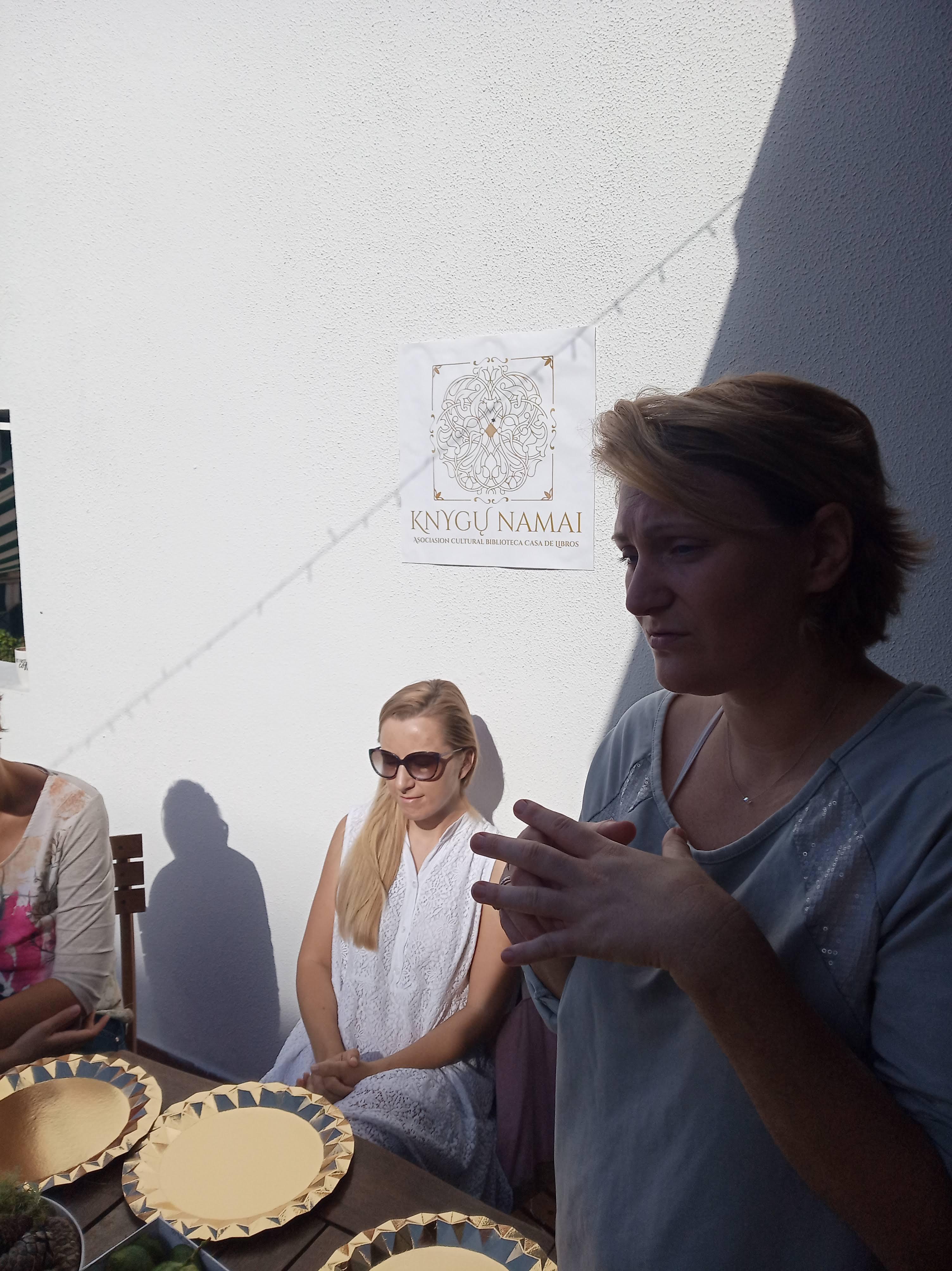 Advento vainikų dribtuvės 2019, renginiai, Lietuvių bendruomenė Tenerifėje, Kalėdos, Knygų namai Tenerifėje, dirbtuvės šeimai